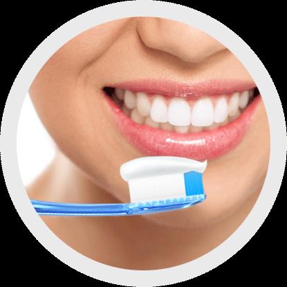 Eine gute Mundhygiene erreichen Sie durch zusätzliche Reinigung der Zahnzwischenräume